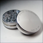Space Case Grinder - 2 Piece - Small - Magnet