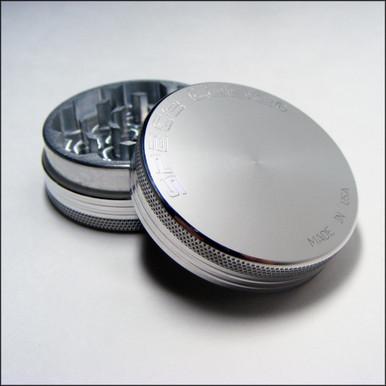 Space Case Grinder - 2 Piece - Medium - Magnet