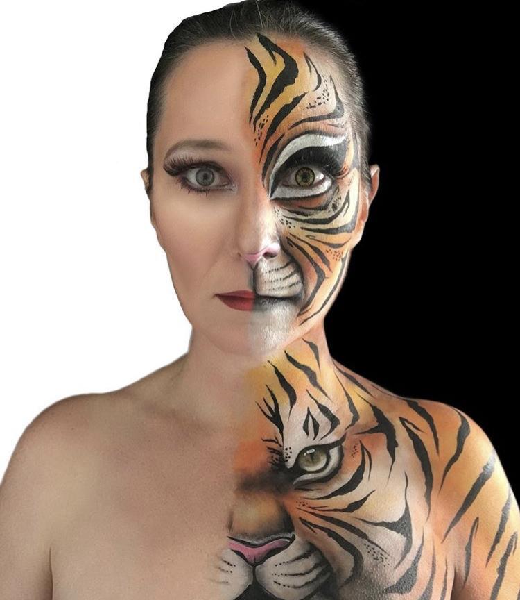 Artist: Lorna Nickels aka LennieDin