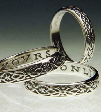 Yovrs Onli Poesy Ring