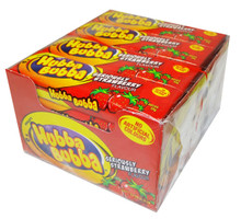 hubba bubba strawberry flavoured chewing gum