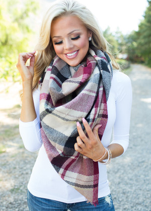Falling in Love With a Scarf Red/Tan