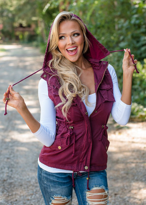 Never One To Lose Vest Burgundy
