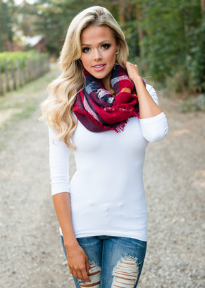 Take a Minute Plaid Scarf Red