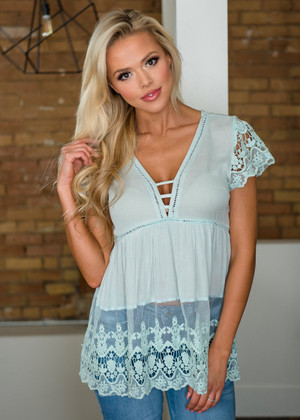 Give Me All Of Your Love Crochet Lace Detailed Top Mint