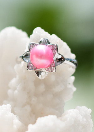 Elegant Flower Sterling Silver Ring - LIVE PEARL OPENING