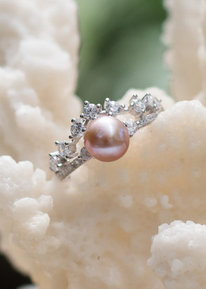 Crowned Beauty Sterling Silver Ring - LIVE PEARL OPENING