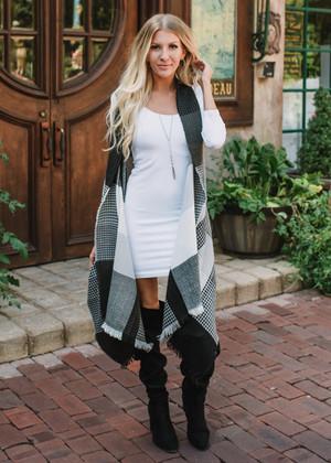 Checkered Fringe High Low Vest Black/Gray