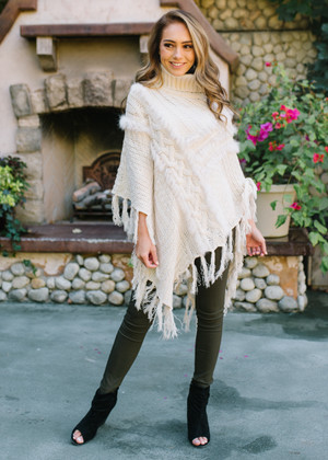 My Weakness Detailed Cable Fringe Poncho Cream