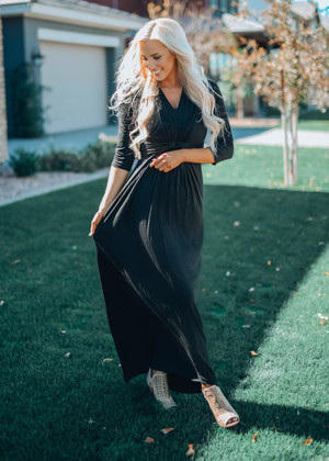 Everything You Need Knotted Front Maxi Dress Black