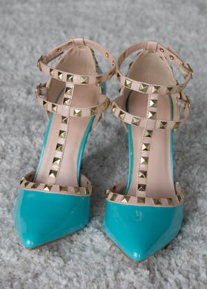 Double Decker Edge Studded Heels Aqua