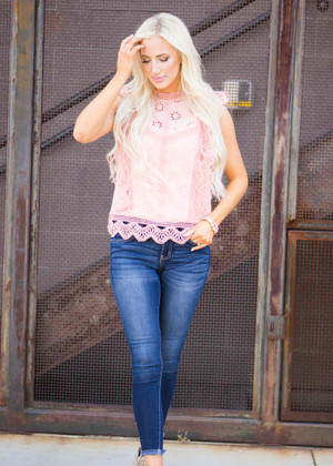 Full Bloom Lace Top Blush