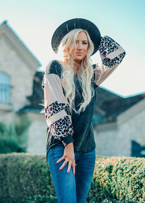 Contrast Knit Puff Leopard Sleeves Top Charcoal