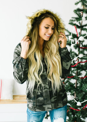 (Black Friday) Camo Lined Faux Fur Hooded Cinched Jacket