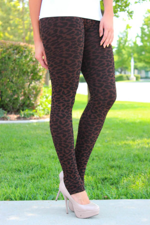 Amazing Seamless Leopard Print Brown Leggings