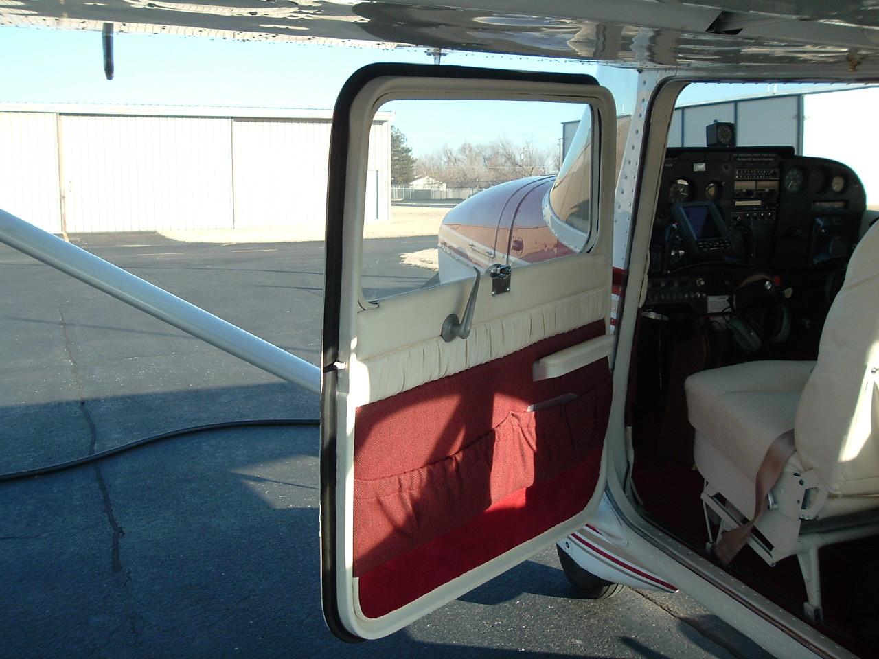 Door Seal, Front Entry, Cessna 150, 152, 170, 172, 175, 180, 182, 185, 205,  206, 207, 210, 336, 337, ADS-C1401