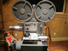 Maurer 16mm Movie Camera and Lens Set (#243)