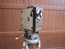 Antique Universal HAND CRANK 35mm Movie Camera