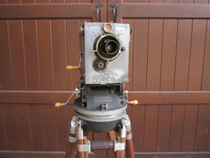 Antique Debrie Parvo HAND CRANK 35mm Movie Camera + Akeley Gyro Tripod