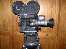 Technicolor System 3 (No. 10) Hand Crank 35mm Movie Camera | Akeley Gyro Tripod