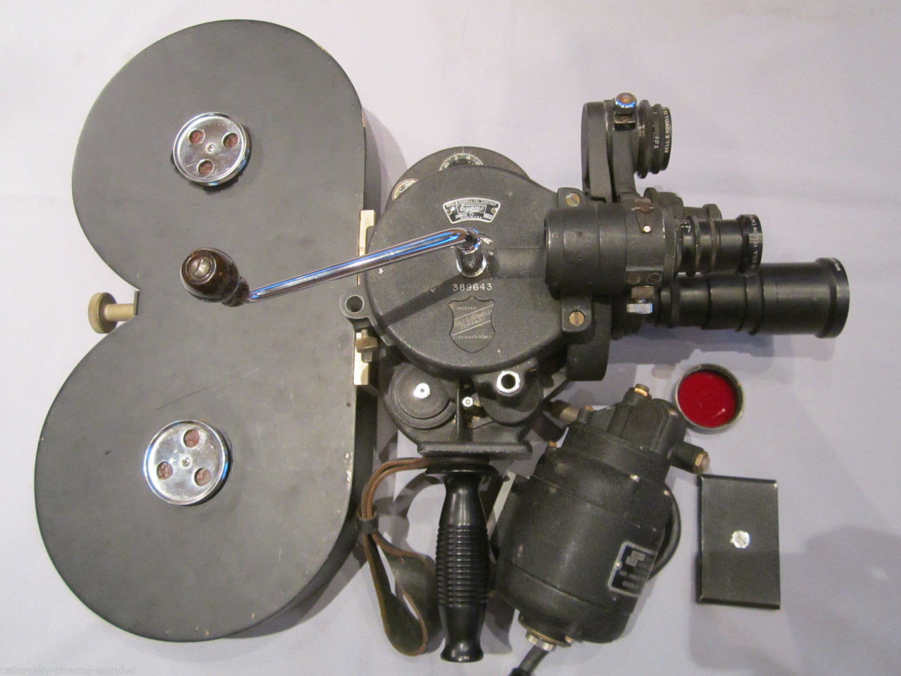 HAND CRANK Bell & Howell Military Eyemo 35mm Movie Camera