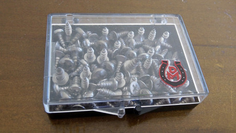 Hoof screws - 40 assorted screws for affixing plates to the hoof wall
