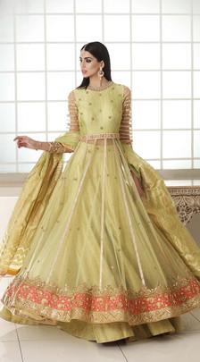 Traditional Mehndi Dresses Pakistan