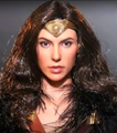 WONDER WOMAN JUSTICE LEAGUE JLA DELUXE VERSION- HOT TOYS 1/6 SCALE FIGURE - MMS