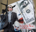 JOKER HOT TOYS BANK ROBBER 1.0 FIGURE-  1/6 SCALE BATMAN MMS79