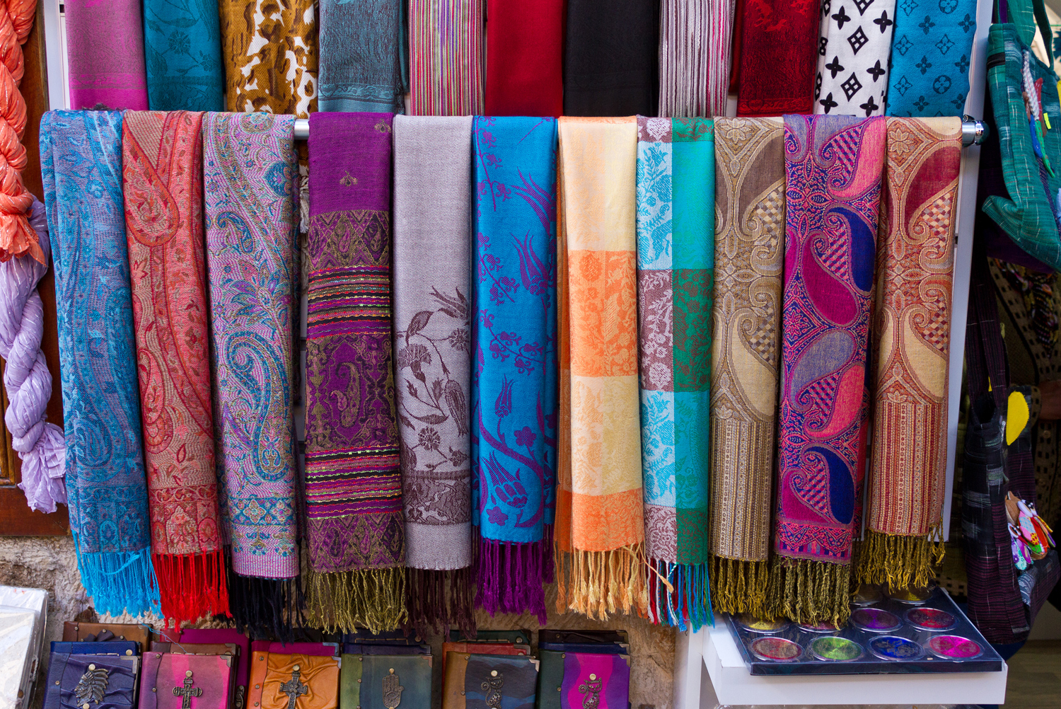 Pashmina Scarfs: Learn their History and How to Wear Them ...