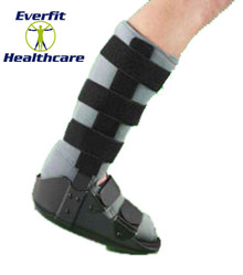 THE OPPO WALKER BOOT WITH FIXED ANKLE has many features to provide comfort and support.