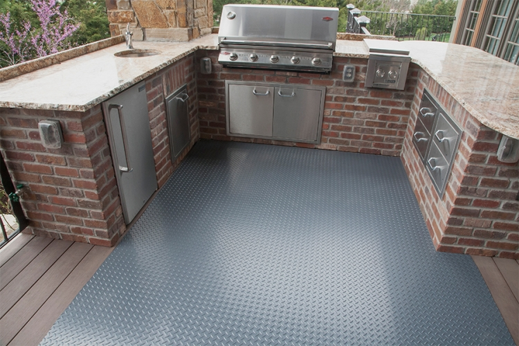 g floor used for outdoor kitchen