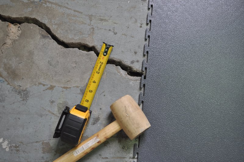 industrialfloorjob-covercracks.jpg