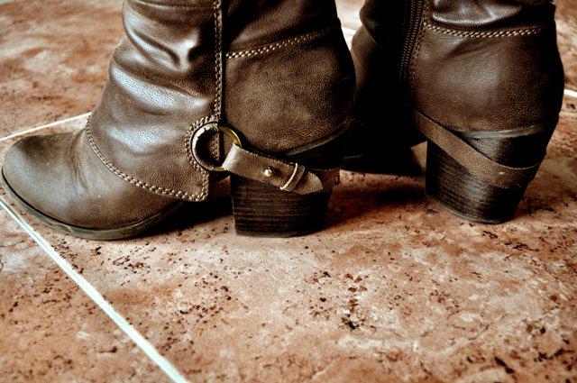 new-naturalstone-boots-closeup-rose.jpg