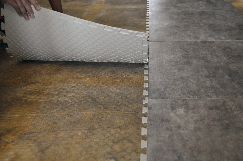 flexi review tile photos floor id tiles perfection media elitegaragefloors carpet floors