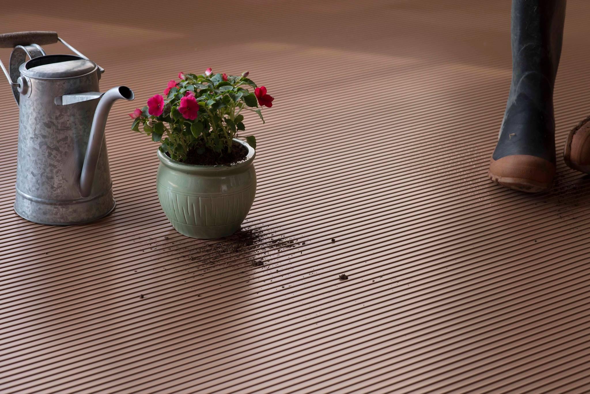 bathroom vs flooring new floor best of full garage tiles vinyl cheap size tile interlocking design ceramic interiors