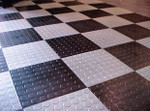 Race Deck Circle Trac Tile Black & White