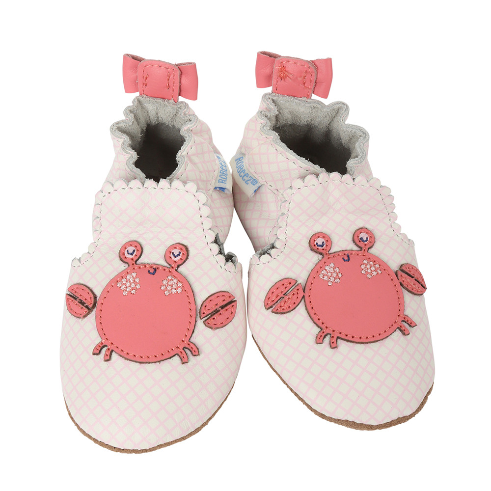 White and pink leather infant shoes for girls with crab applique