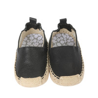 Soft soled baby shoes in black leather designed to look like an espadrille.  Perfect for baby, infant and toddler girls.