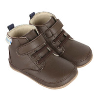 Brown leather baby shoe for boys ages 0 - 24 months. Mini Shoez.