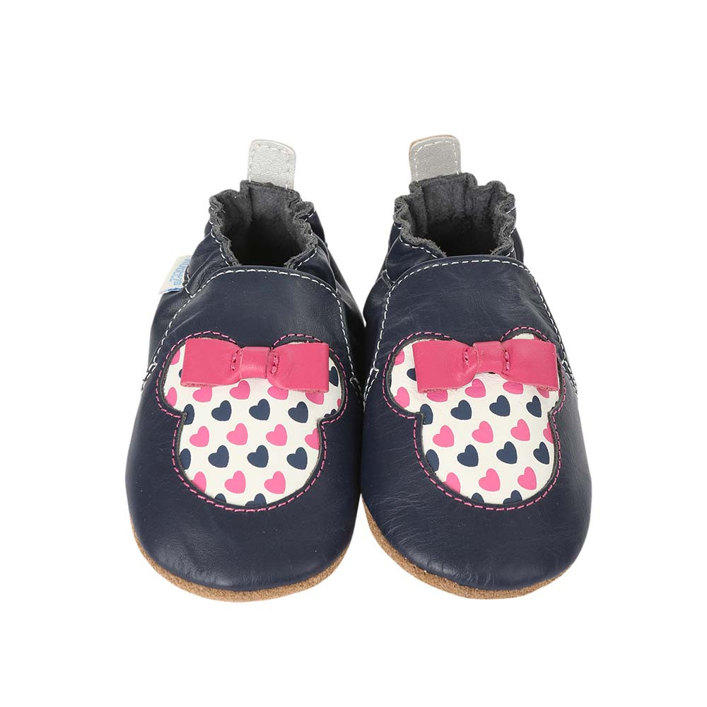 Front view of Disney Minnie Girl Baby Shoes, a crib shoe in navy leather featuring Disney's Minnie Mouse.