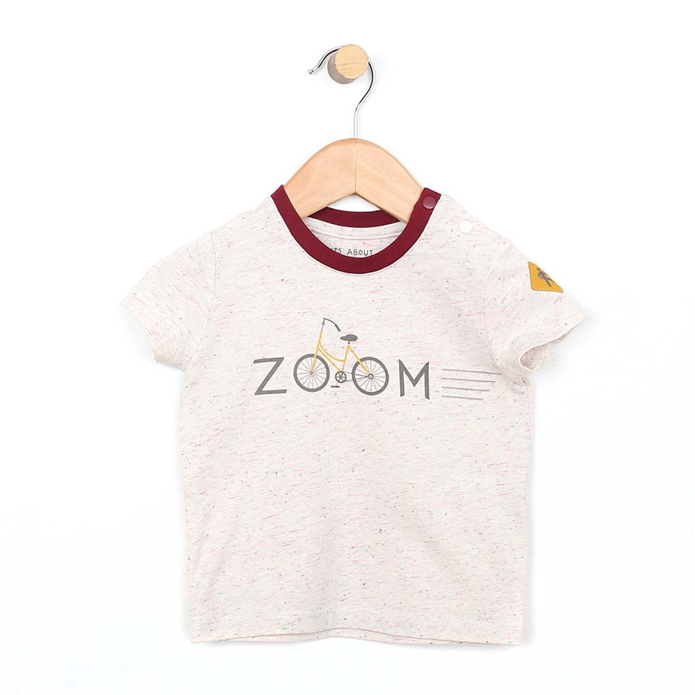 Cotton T-shirt with the word Zoom on the front for baby and infant boys. Front view.