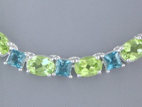 43.75 cts Oval Peridot Princess London Topaz Necklace in Sterling Silver Style SB1300