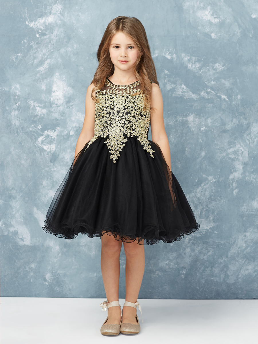 27f57e63e We all know how much little girls are always thrilled at the thought of  getting all dressed up