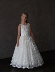 Exquisite Teter Warm Couture Luxurious Lace Communion Flower Girl Gown
