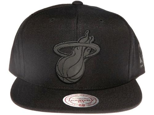 Miami Heat NBA Black Reflective Logo Mitchell & Ness Black Snapback Hat