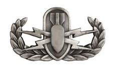 Badge: Explosive Ordnance Disposal - regulation, oxidized