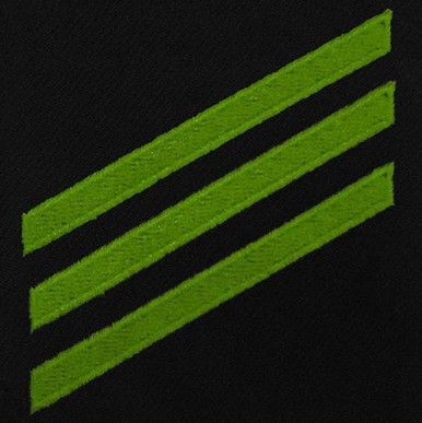 Navy E3 Rating Badge: Airman - green chevrons on blue serge