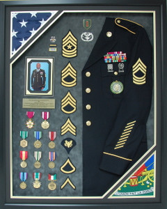 US Army 32 year Service Shadow Box Display with Uniform