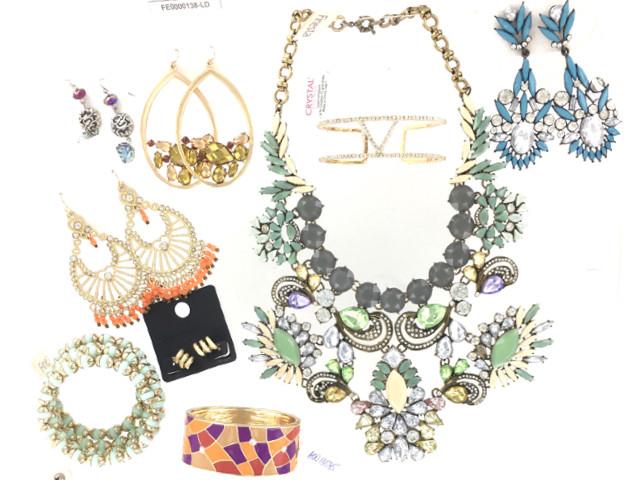 338cc45106be Wholesale Assortment of Bulk Trendy Jewelry